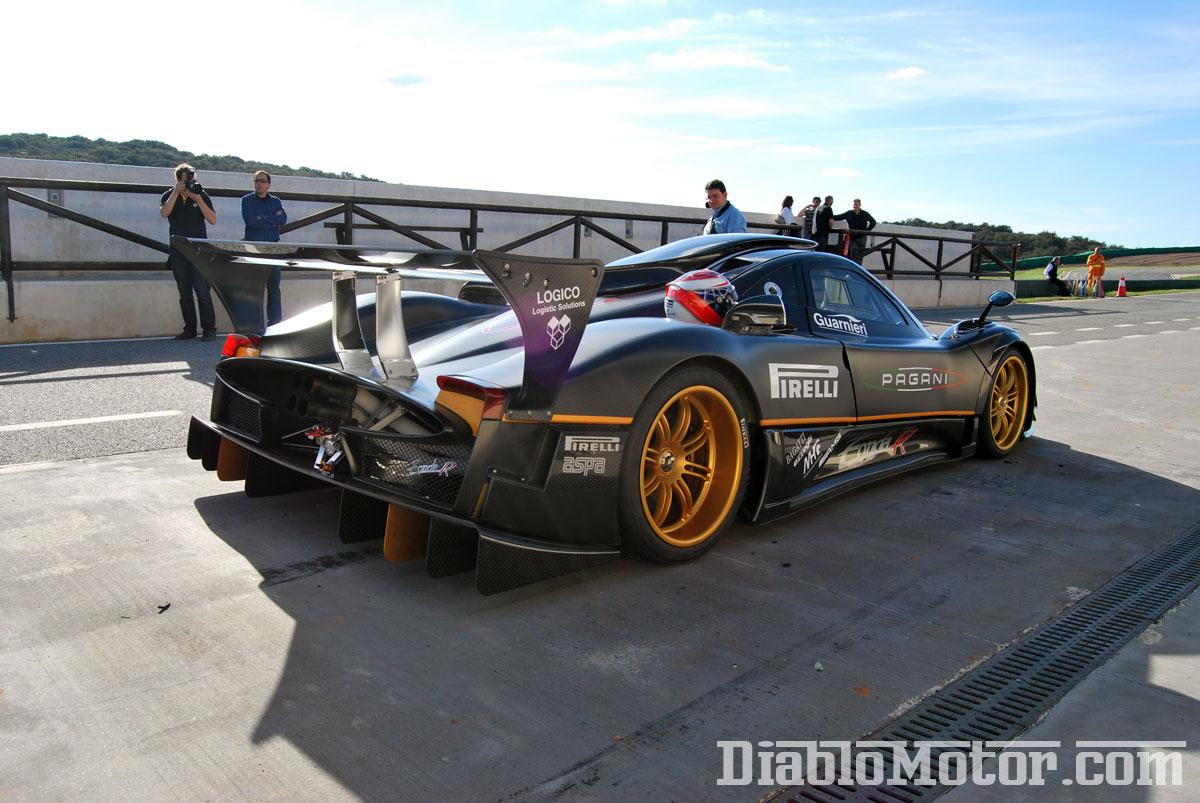 Circuito Zonda : A bordo del pagani zonda r en el circuito de ascari