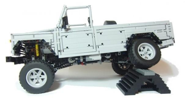 Land Rover Defender 110 lego