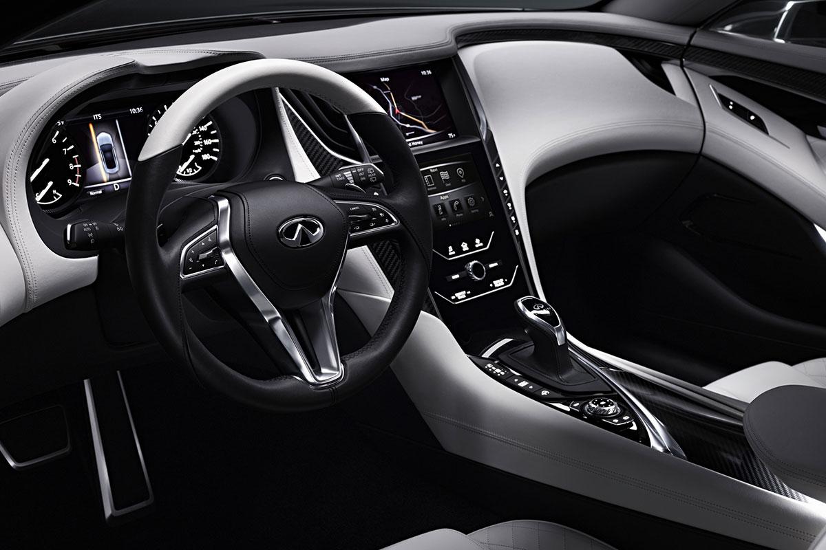 INFINITI Q60 Concept volante