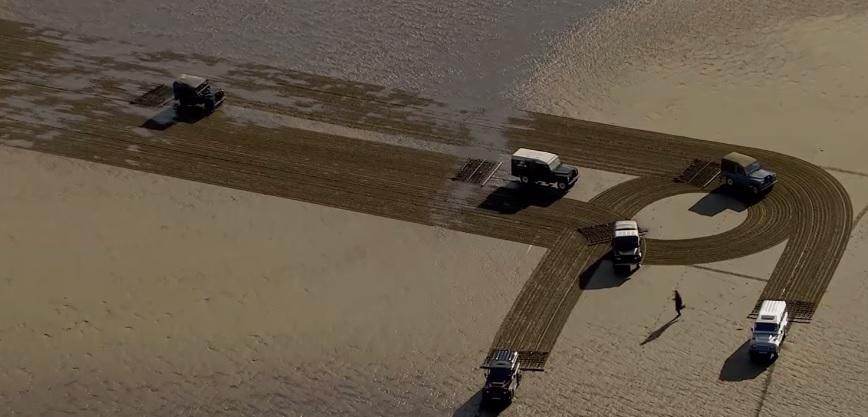 Land Rover Defender playa