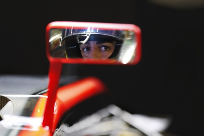 Fernando Alonso retrovisor