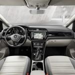 Volkswagen Touran 2015 interior
