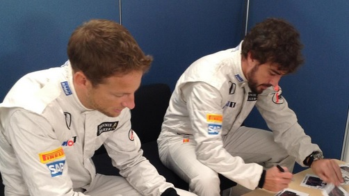 alonso button autografos