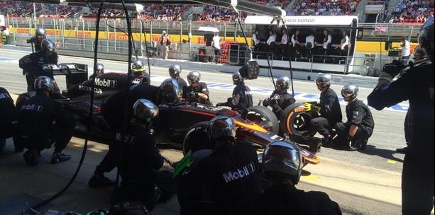 Alonso pit stop
