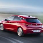 Opel Astra 2015 trasera