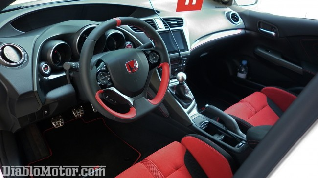interior honda civic type r 2015