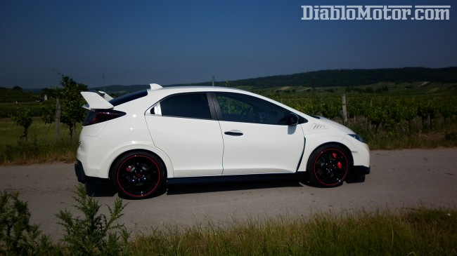 prueba-honda-civic-type-r-2015-lateral